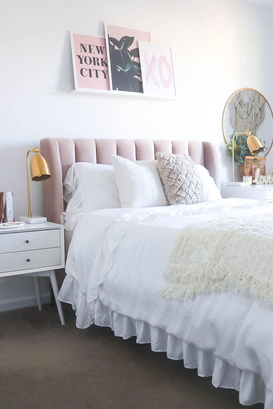 Blush headboard via moneycanbuylipstick