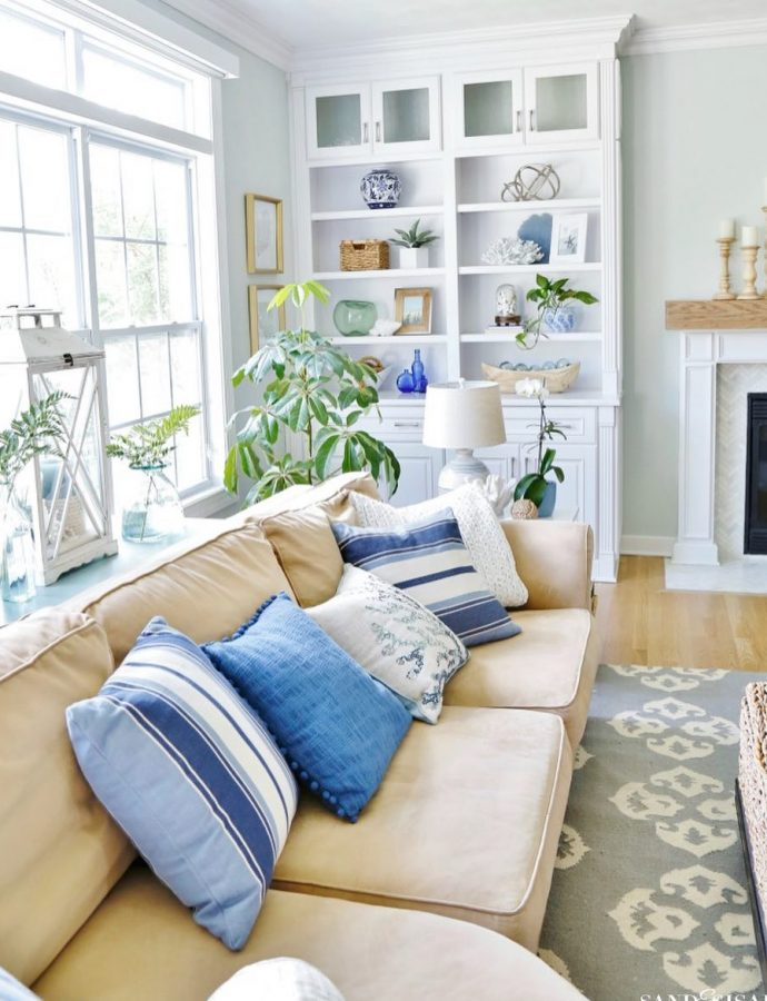 21 Coastal Throw Pillows Perfect for Your Beach Home