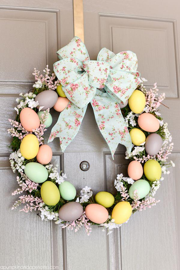 DIY Easter Egg Wreath via apumpkinandaprincess