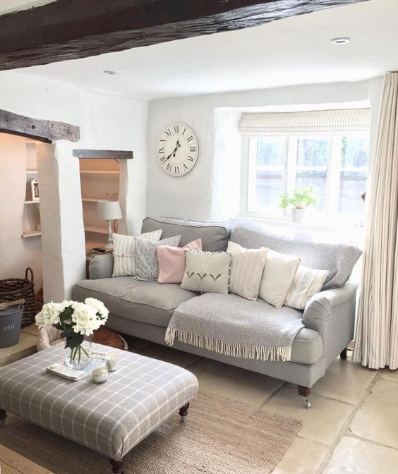 English roll arm sofa in Country Living Room