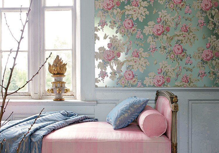 Pink daybed and floral wallpaper via nattyandpolly