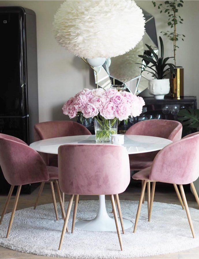 15 Modern Velvet Dining Chairs for the Dining Room