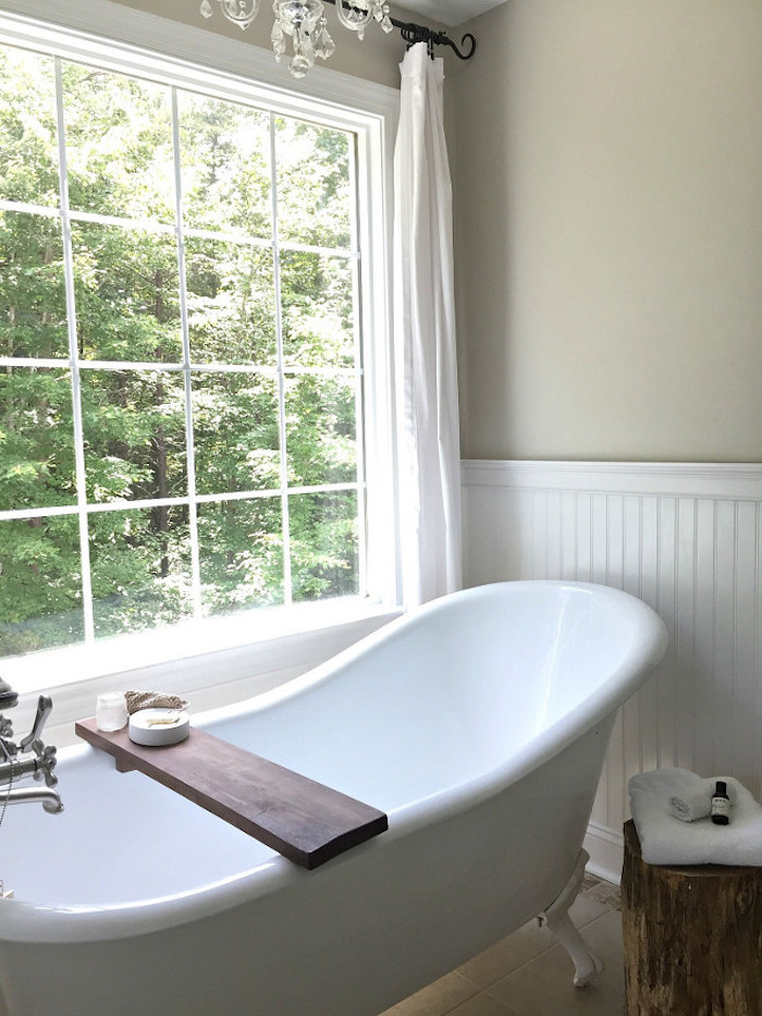 White Vintage Tub in Country Bathroom via @middlesisterdesign