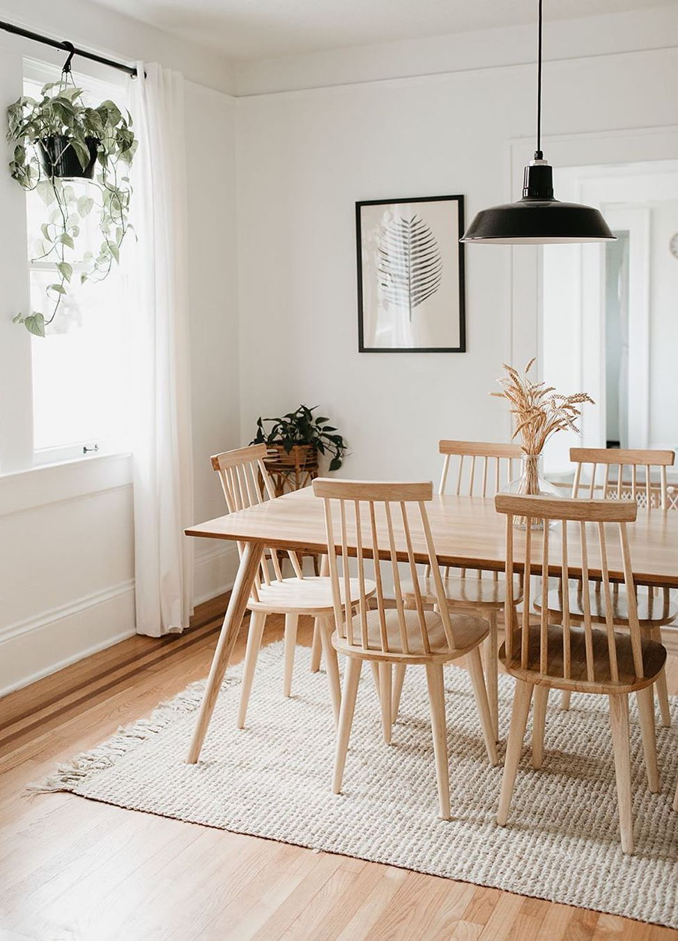 6 Tips for Buying Dining Chairs