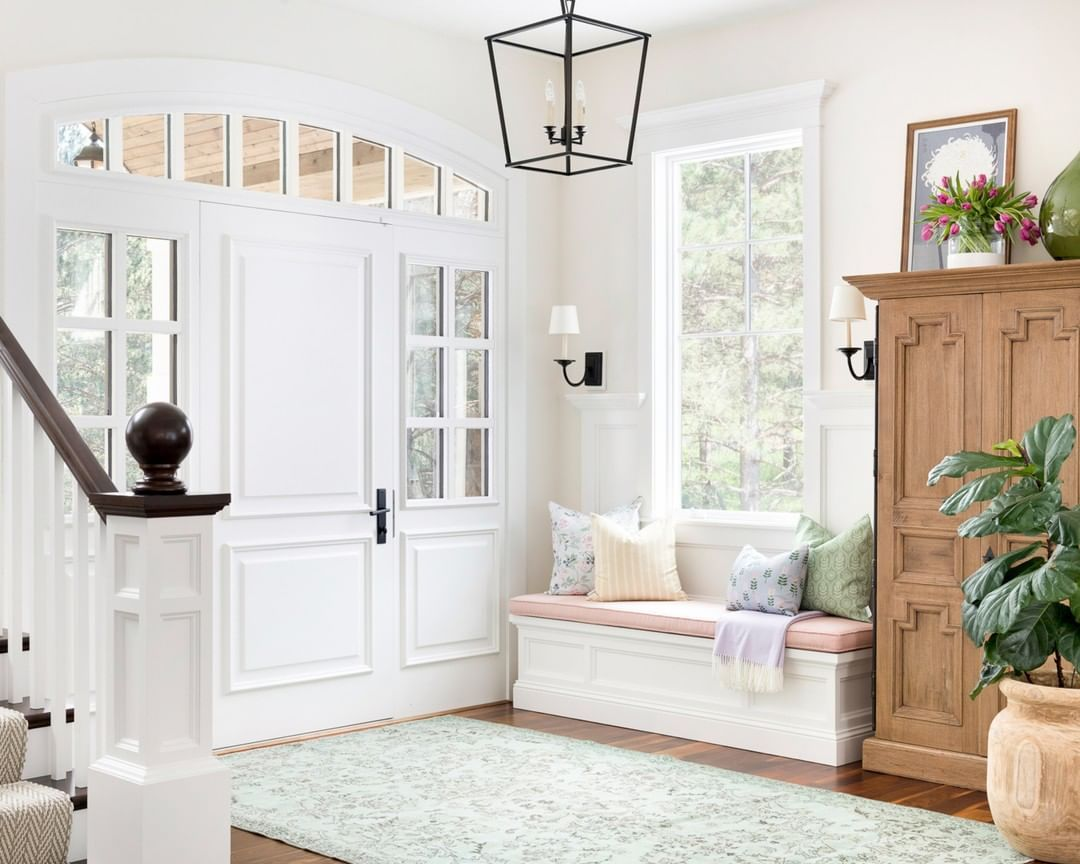 How To Decorate And Style Your Entryway