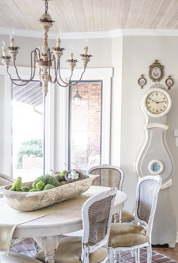 French country chandelier in the dining room
