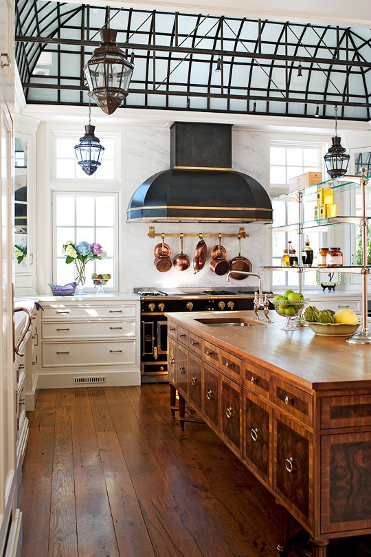 French country kitchen via Traditional Home