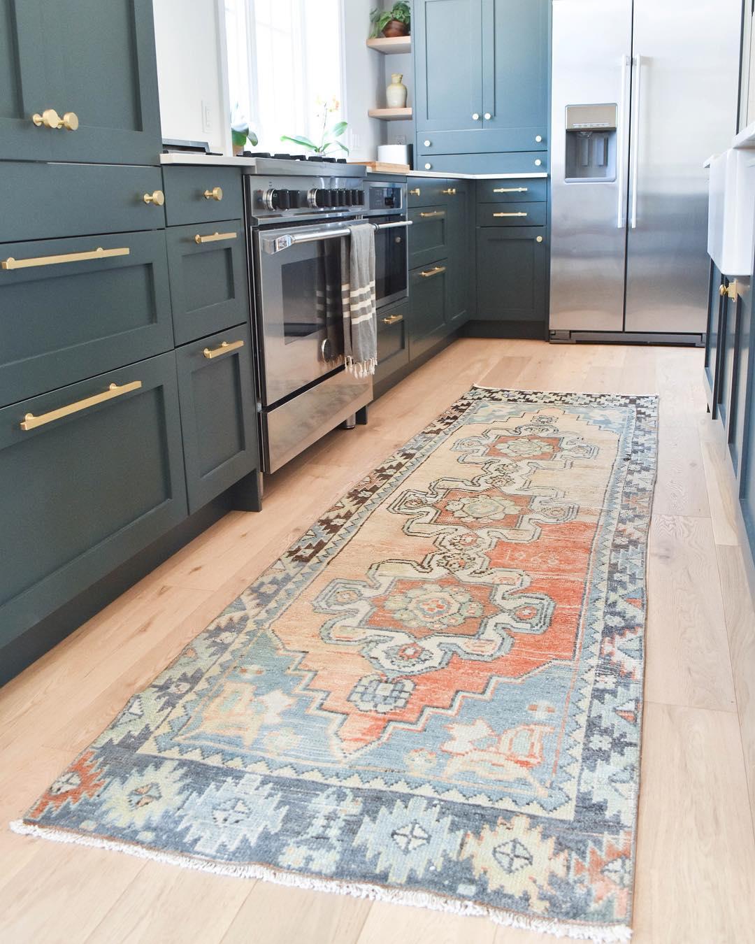 Kitchen Runner rug via @rugandweave