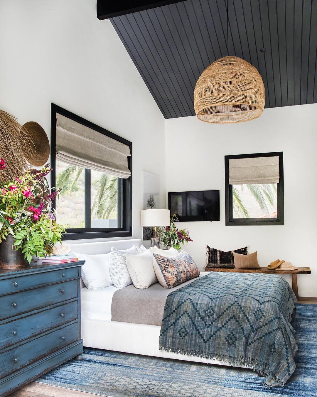 Bohemian bedroom @janettemalloryinteriors
