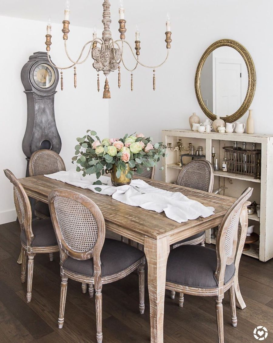 37 Charming French Country Dining Rooms, French Country Style Dining Room Table And Chairs