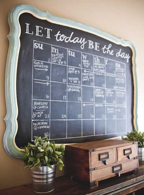DIY Chalkboard Calendar via sincerelysarad