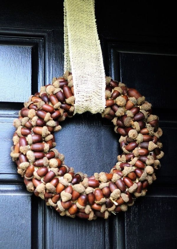 DIY Fall Acorn Wreath via thegirlcreative