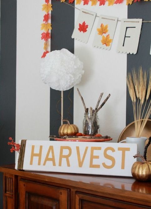 DIY Fall Harvest Sign via makinghomebase