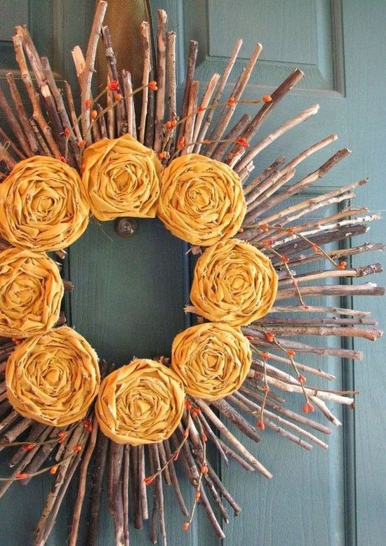 DIY Fall Sunshine Wreath via yellowmums