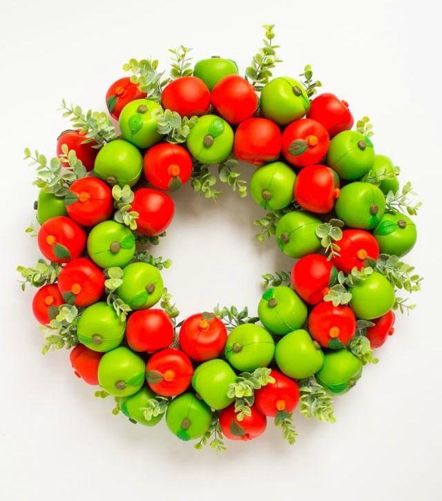 DIY Fall apple wreath via designimprovised