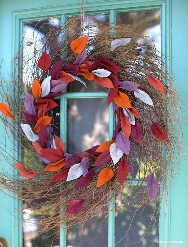 DIY Fall felt leaf wreath via liagriffith