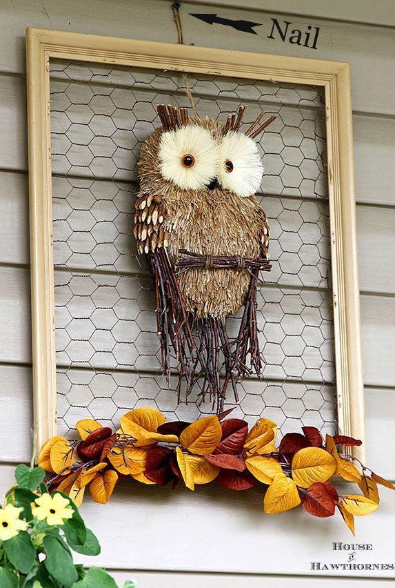 DIY Fall framed chicken wire Owl wreath via houseofhawthornes