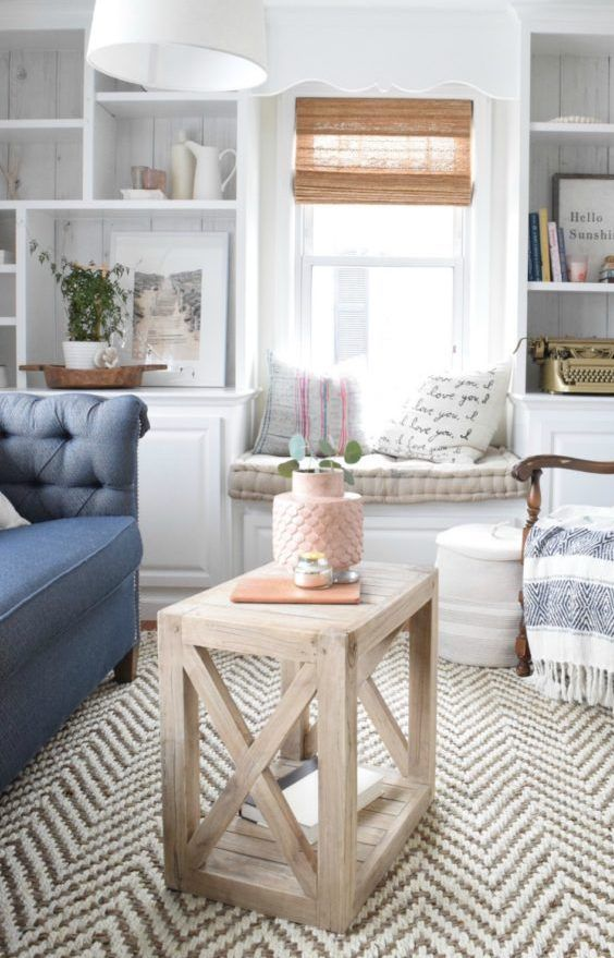 DIY Farmhouse Side Table via remodelaholic