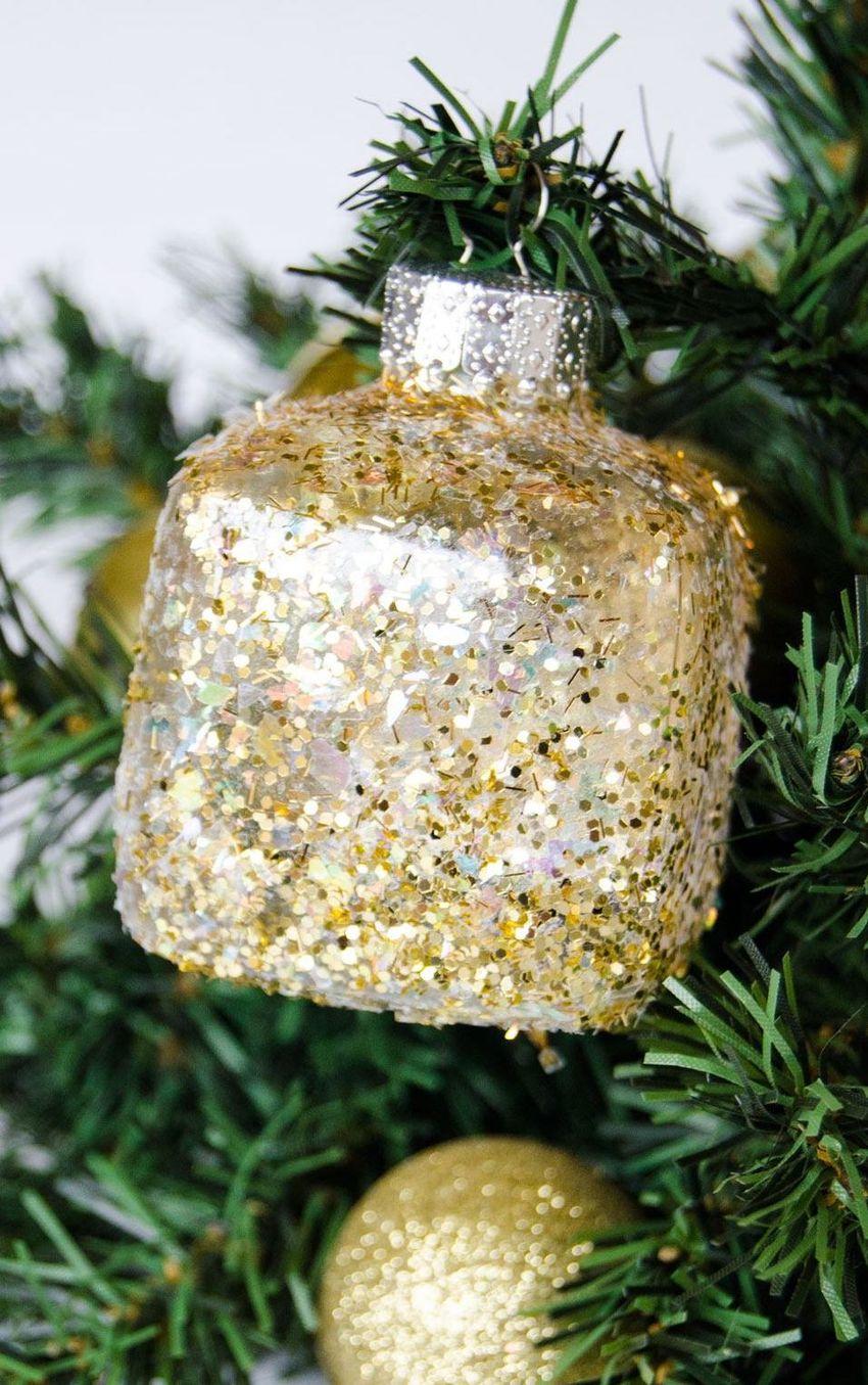 DIY Gold Glitter Glam Christmas Ornaments via love-the-day