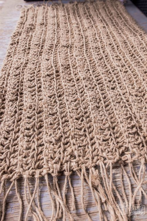 DIY Jute rug via thediymommy