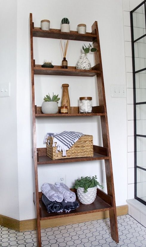 DIY Leaning Ladder Shelf via brepurposed