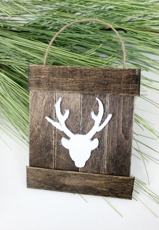 DIY Mini Deer Pallet Ornament via lovecreatecelebrate