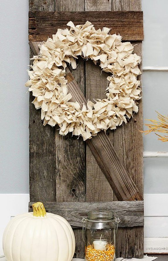 DIY Neutral Fall Wreath via livelaughrowe