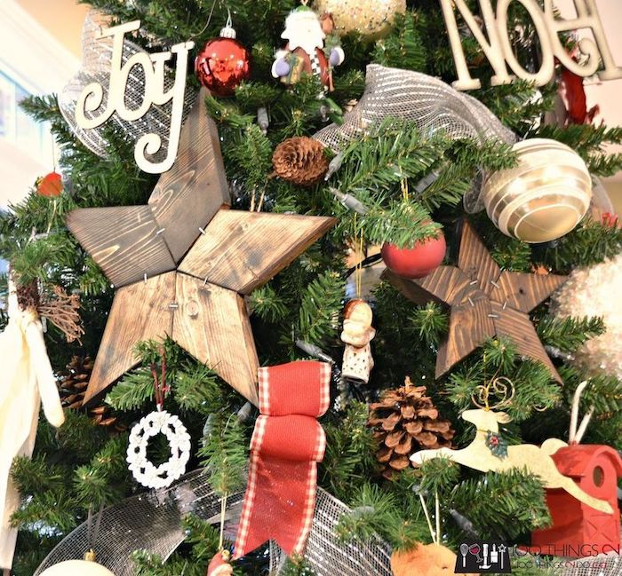 DIY Wood Patchwork Star Ornaments via 100things2do