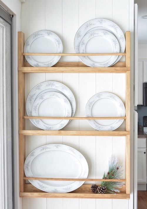 DIY Wood wall plate rack via bitterrootdiy