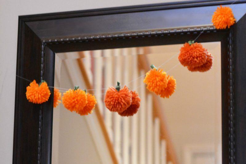 Easy DIY Yarn Pumpkins via notquitesusie