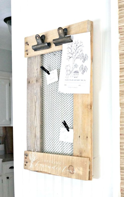 Farmhouse DIY Message Board via seekinglavenderlane