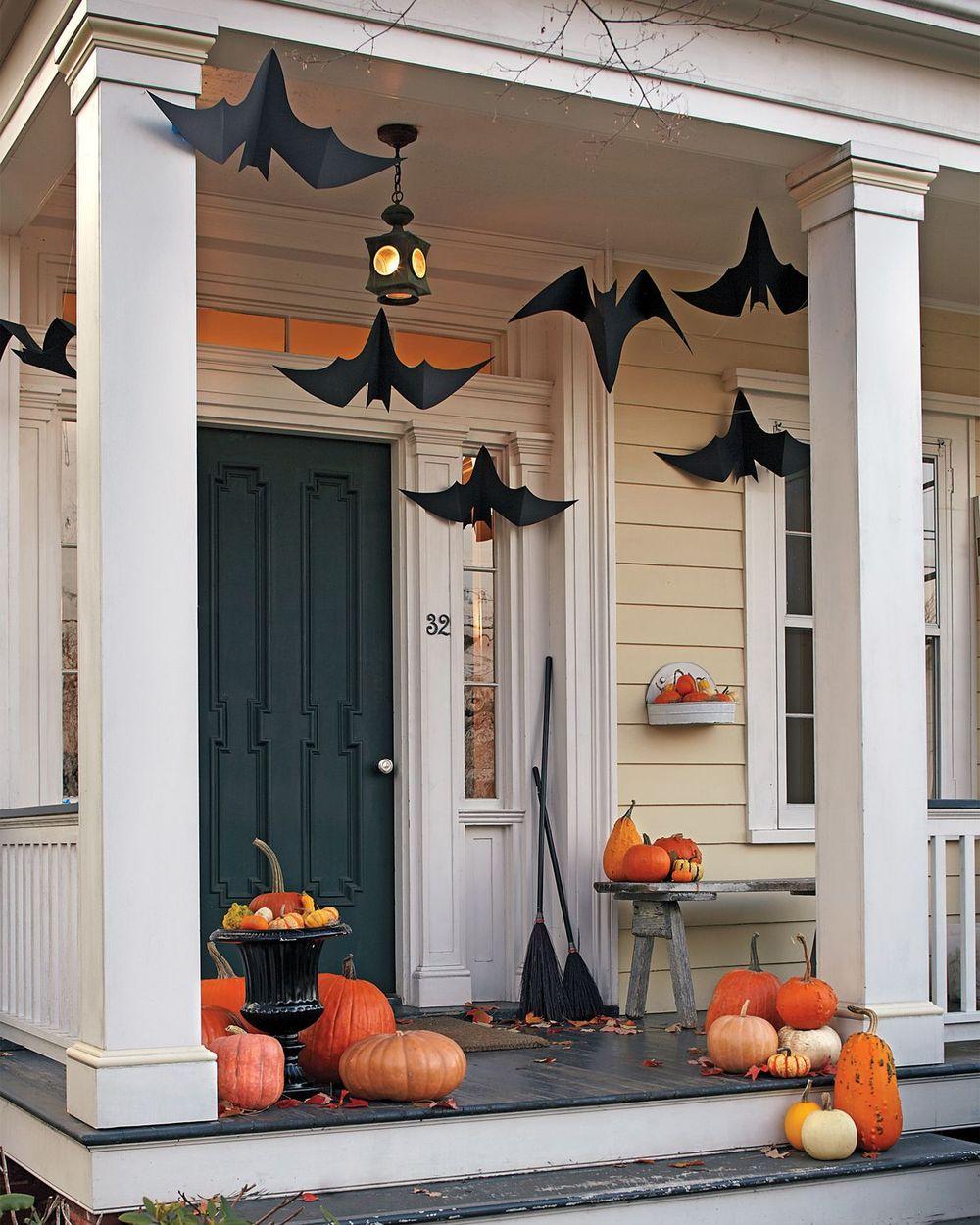 Halloween front porch decor via marthastewart