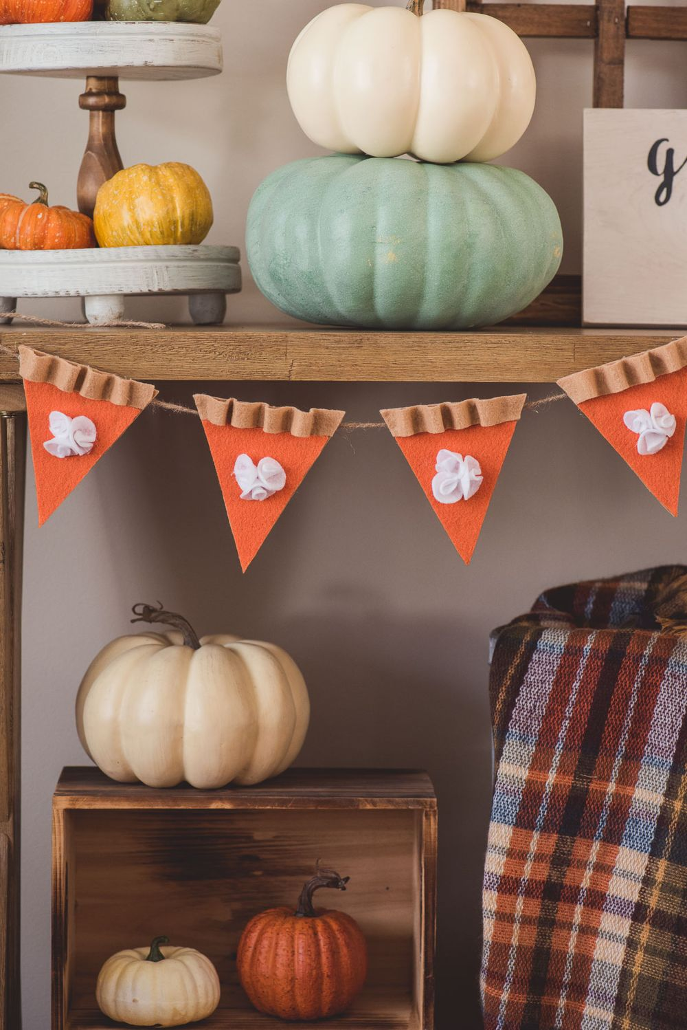 19 Diy Fall Garlands That Are Easy Inexpensive To Make