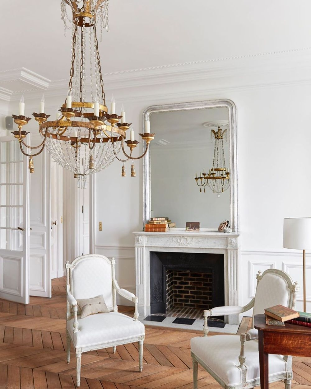 27 Parisian Fireplaces Mantel Decor Ideas