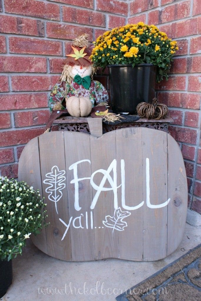Wooden Pumpkin Fall Sign via domesticallycreative