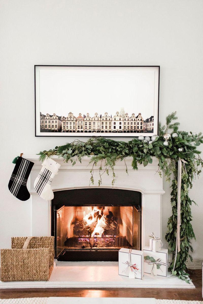 Black and White Plaid Stockings via thehavenlist