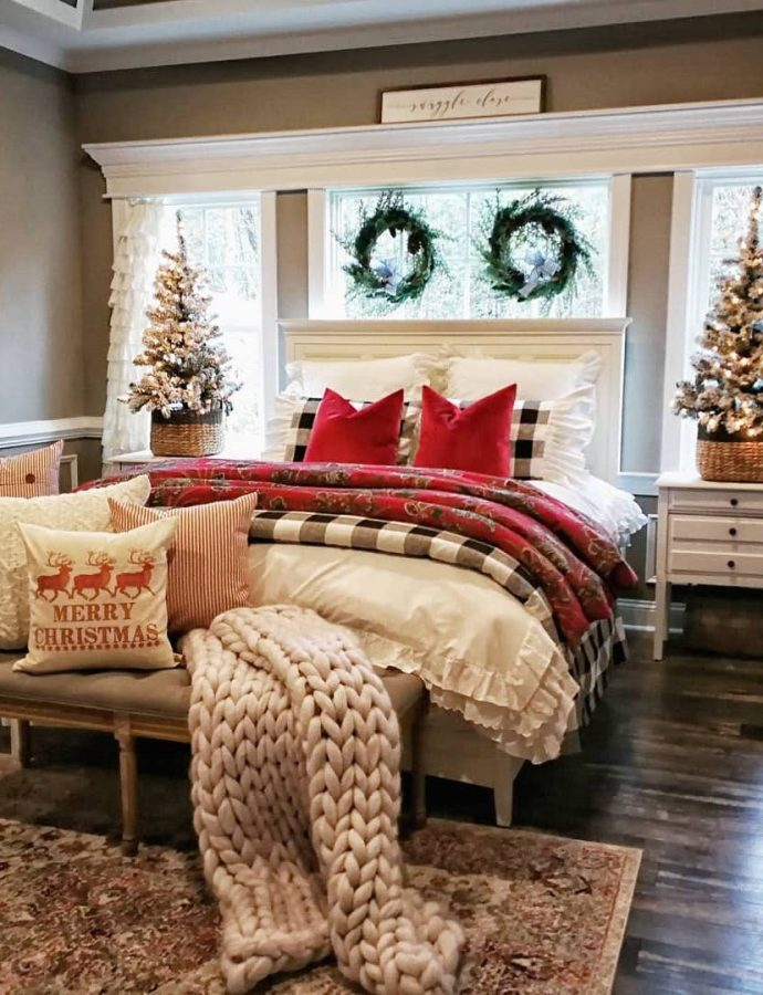 9 Must-Have, Affordable Christmas Bedroom Decorations
