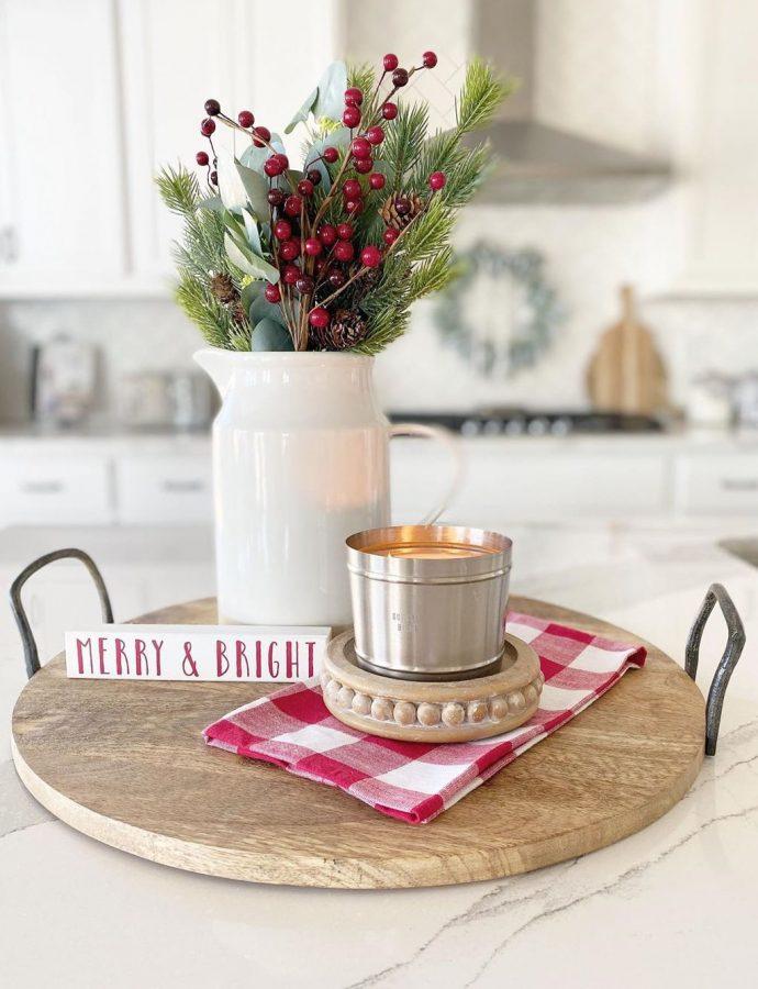 9 Essential Christmas Kitchen Decorations