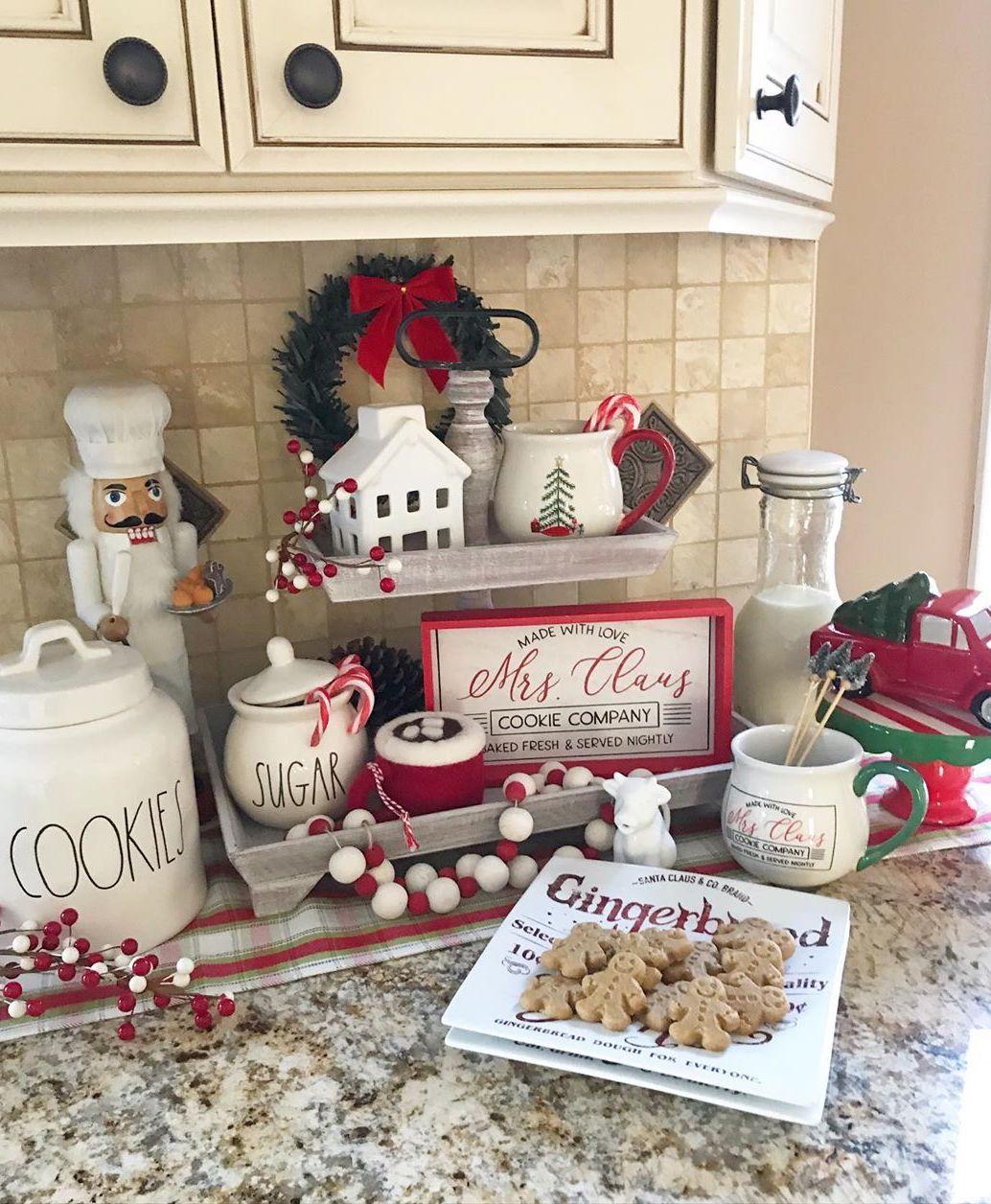 Christmas kitchen decorations via @simply_luka_home