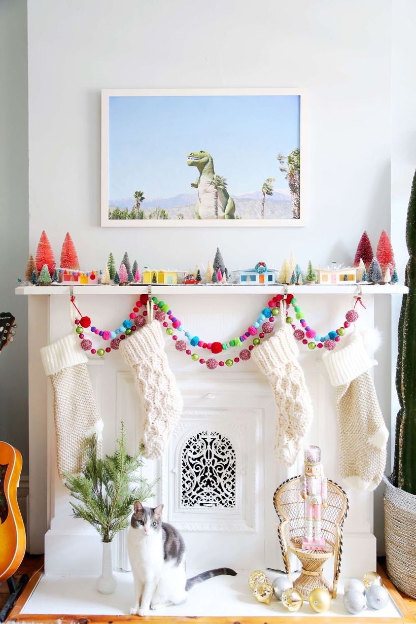 Mid-century Modern Christmas Mantel Decor via arsenic-lace