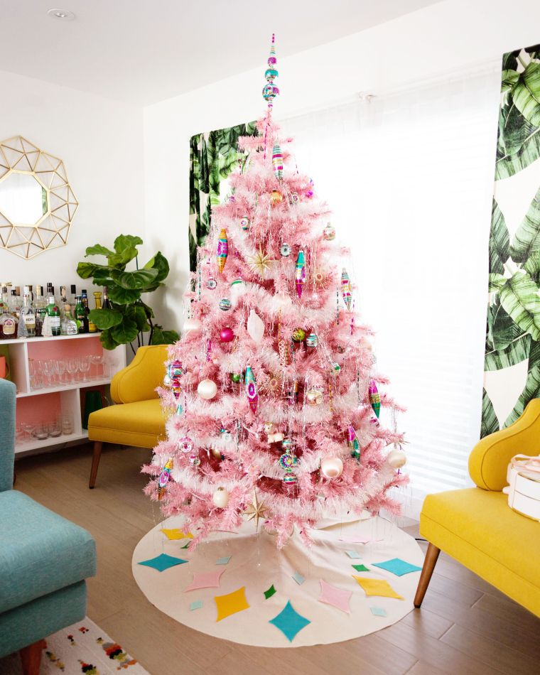 Mid-century Pink Christmas Tree Decor via melo-drama 2017