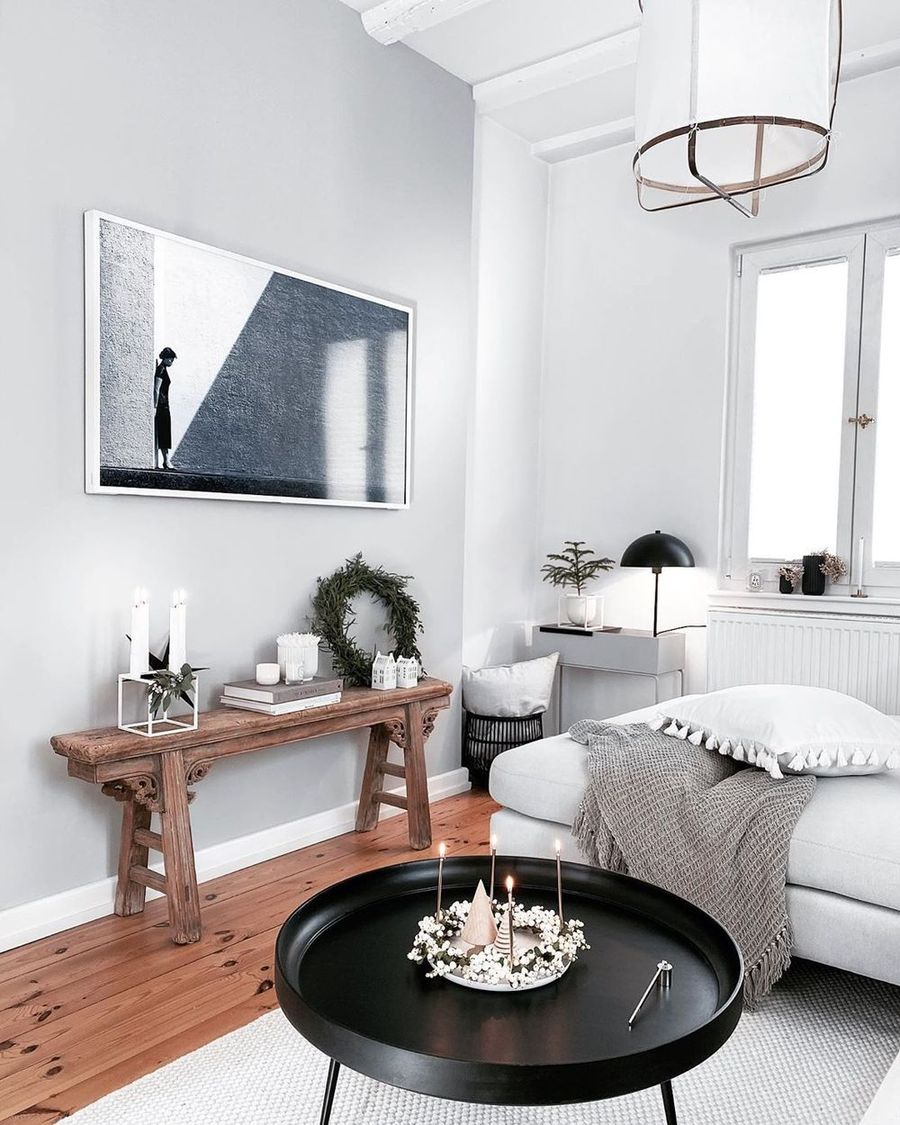 Scandi Christmas Living Room Console Table Decor via @froehlicheszuhause