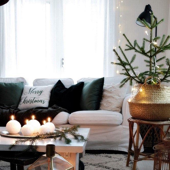 Scandi Christmas Living Room via @tiina_hovatta