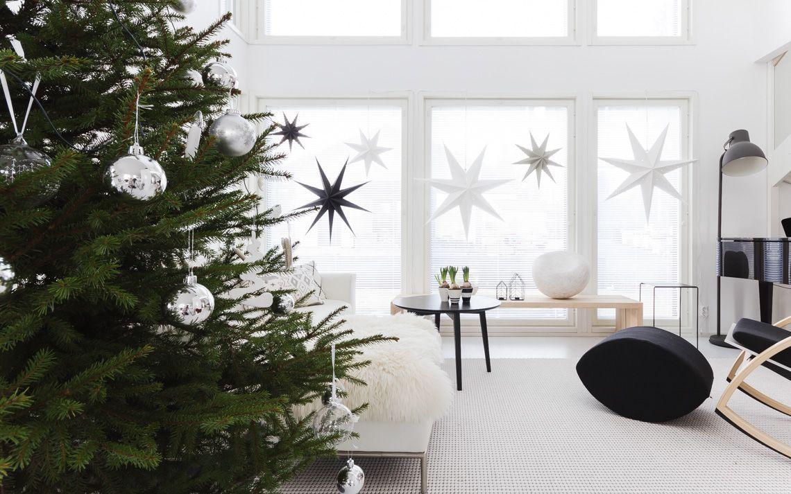 Scandi Christmas Tree Stars in Window Decor via lisbet-e