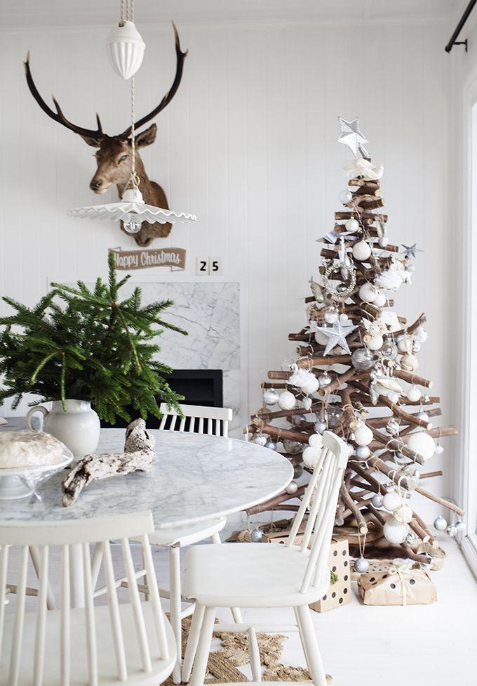 Scandi Wood Christmas tree Decor via kararosenlund