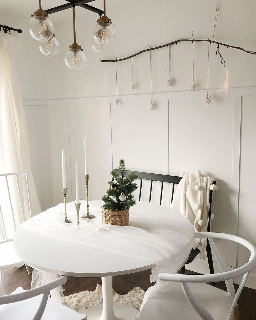 Simple Dining Room Design: 25 Scandinavian Christmas Dining Room Decor Ideas