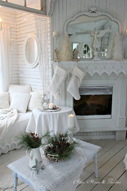 White Christmas Country Cottage Decor via warrengrovegarden