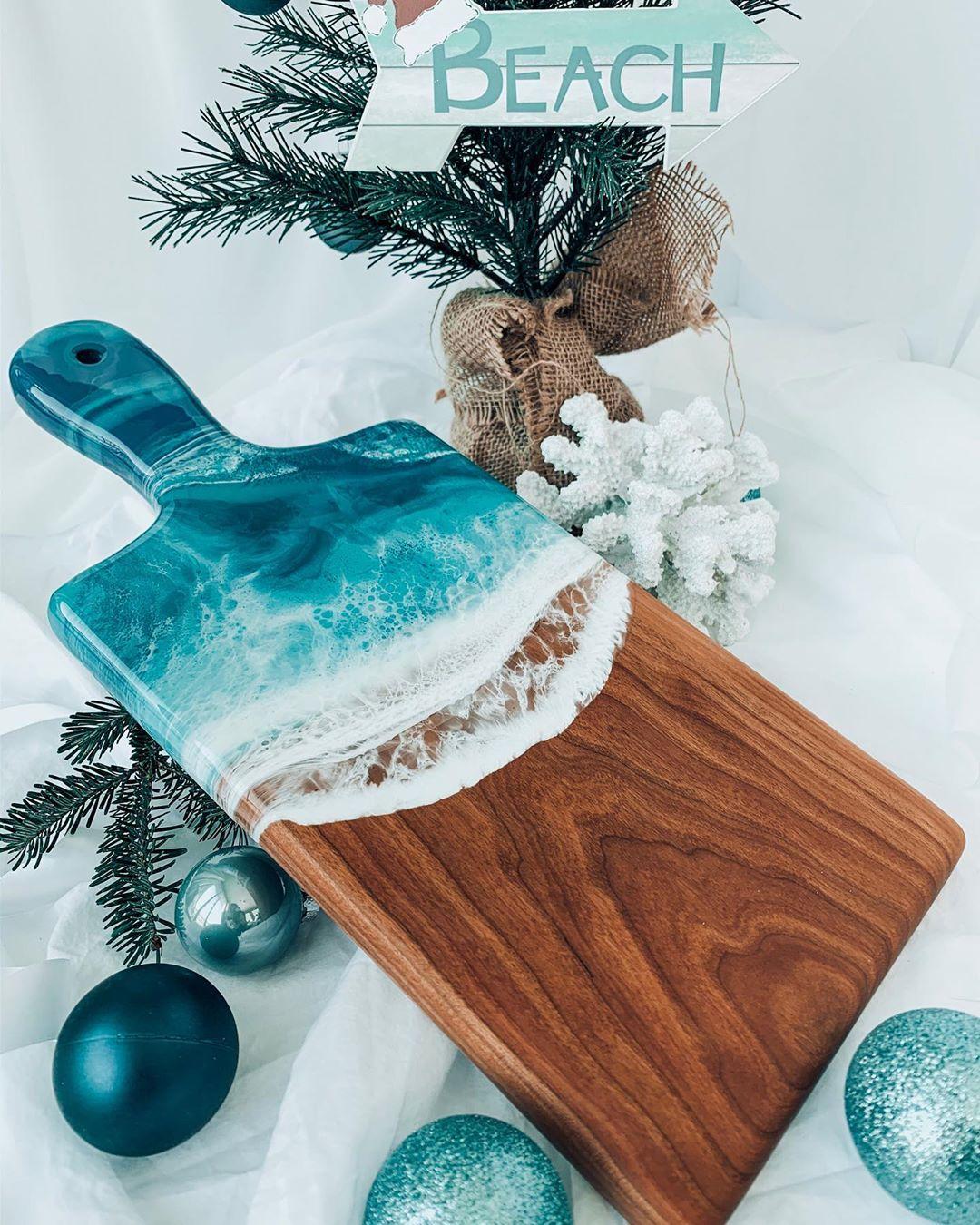 Coastal Christmas Decorations to Buy via Backwood Design
