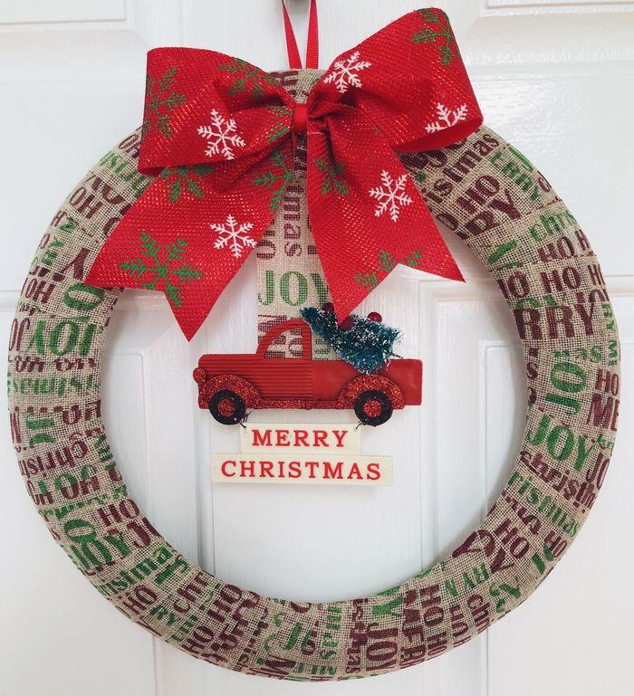 DIY Dollar Tree Christmas Wreath via glitteronadime