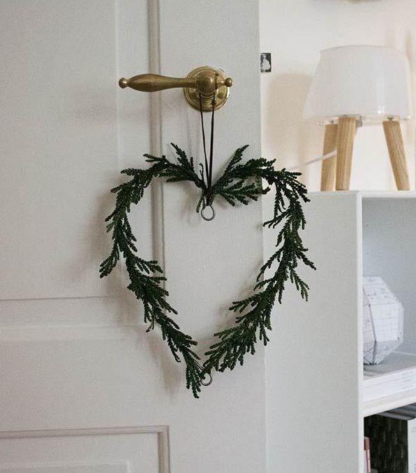 DIY Evergreen Heart via that nordic feeling - DIY Scandinavian Christmas Decorations